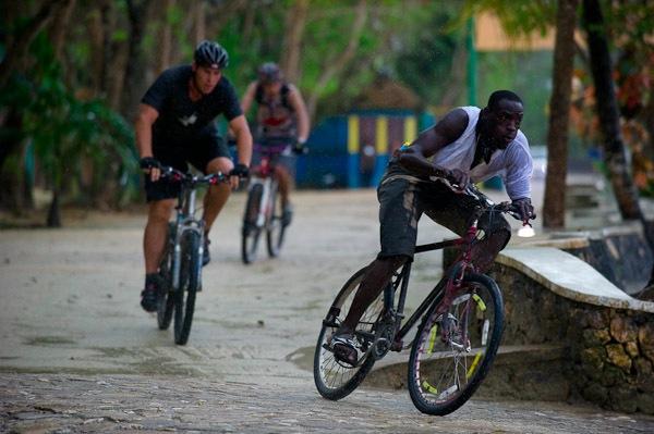 Jamaica Flat Tyre Festival - Photos courtesy of SMORBA