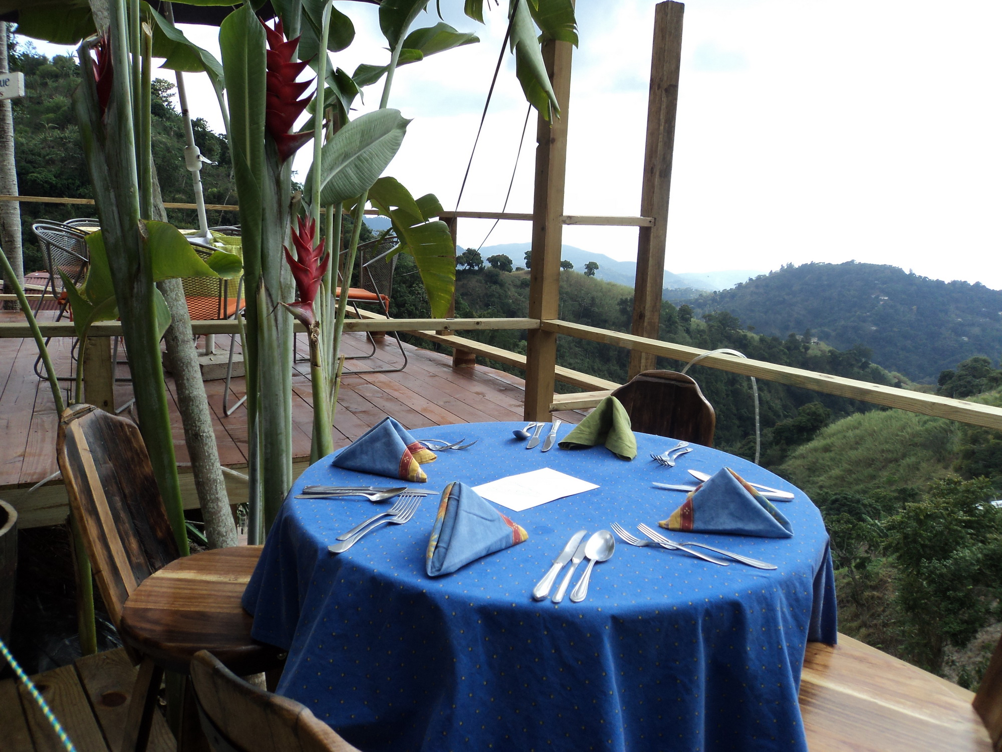 Dining on the Edge at EITS Cafe
